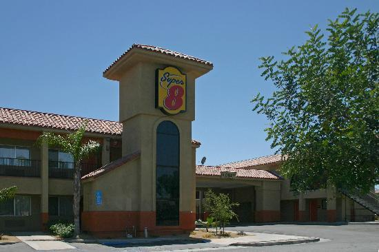 Indio Super 8 and Suites: Tower