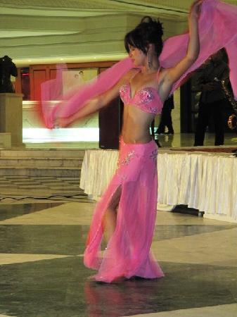 Hotel Palace Oceana Hammamet: Bailarina