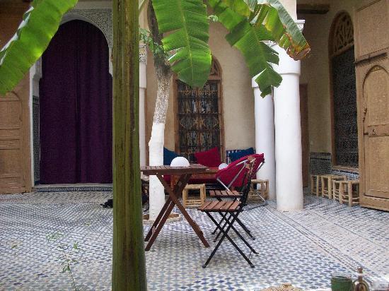 Riad La maison d'a cote: Le patio du Riad