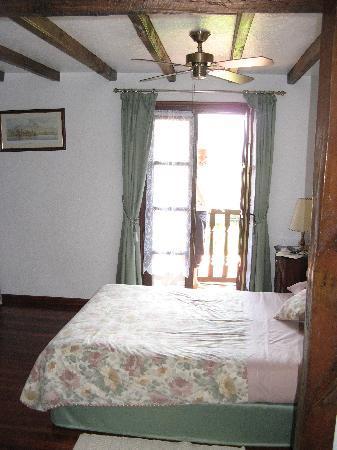 Posada Mies de Villa: Our Room