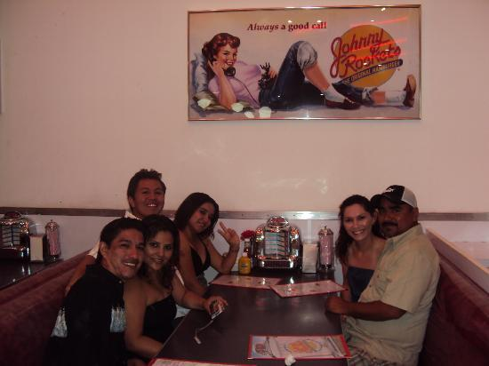 Misiones Hotel & Beach Resort: EATING @ JOHNNY ROCKETS
