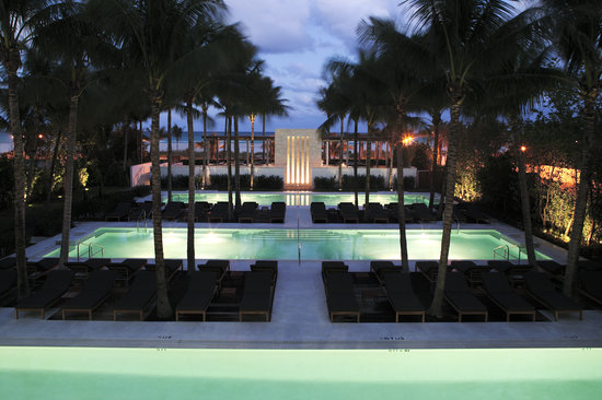 The three temperature-controlled pools at The Setai