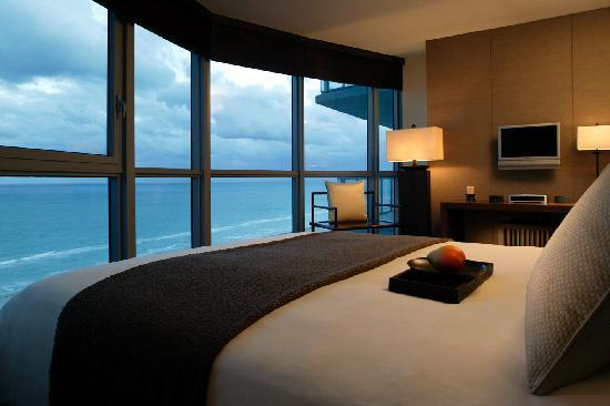 The ocean suites two bedroom oceanfront suite picture of - 2 bedroom hotel suites in miami south beach ...