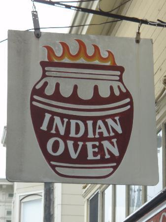 Indian Oven : the exterior signage