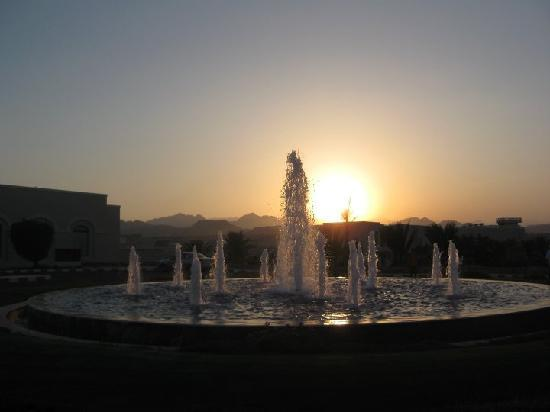 Jaz Mirabel Park: Sunset at front of Mirabel Park Entrance