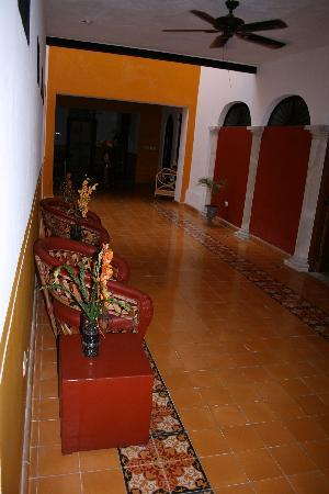 Luz En Yucatan: hallway to the pool and our room