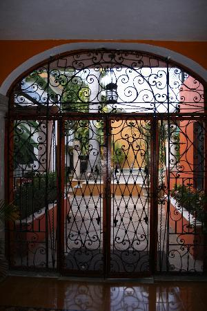 Luz En Yucatan: entrance to the pool area