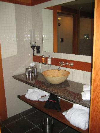 Willows Lodge: Bathroom