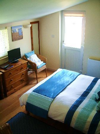 فروجويل: our room