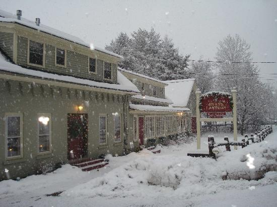 Brass Lantern Inn: Let it Snow, let it snow, let it snow