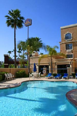 Best Western Escondido Hotel: Outdoor Pool