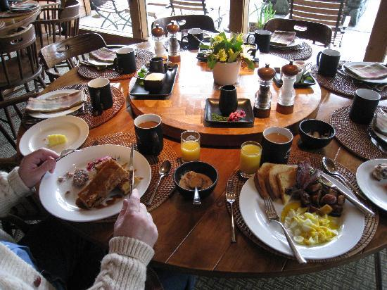 Breakfast at Tu Tu Tun Lodge