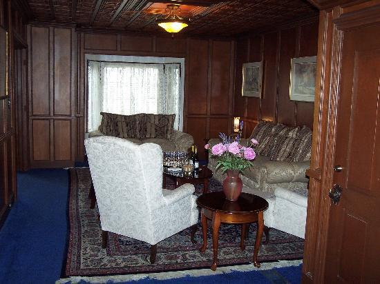 The Rigdon House: Sitting Area