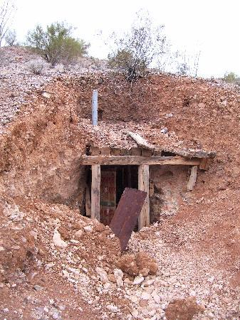 Lake Havasu: Lots of old mines in the area.