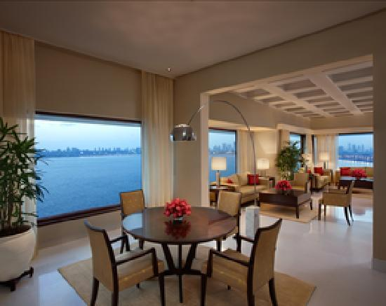 The Oberoi, Mumbai: Kohinoor Suite Dining Area