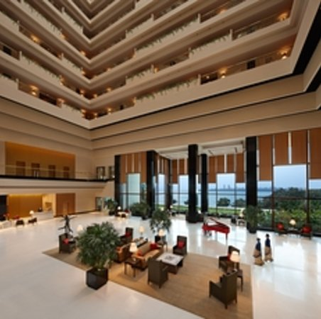The Oberoi, Mumbai: Lobby