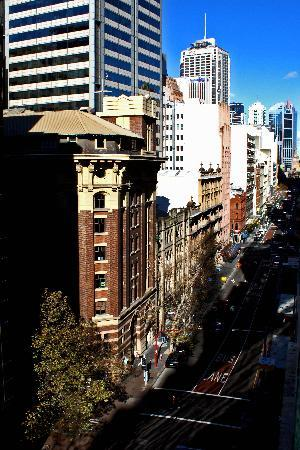Carrington Apartments : View of York St from 9th floor balcony