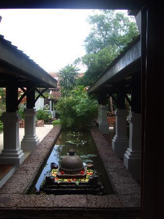 Belmond La Residence Phou Vao: Beautiful pool