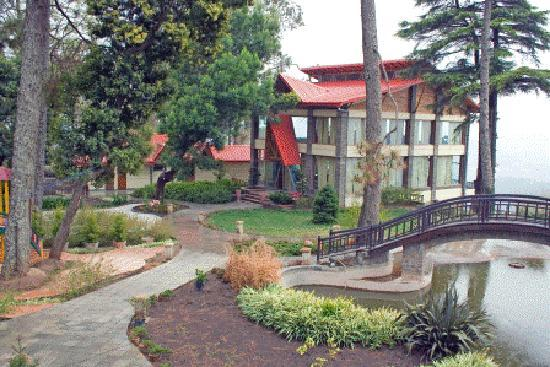 Almora, India: HOTEL EXTERIOR VIEW