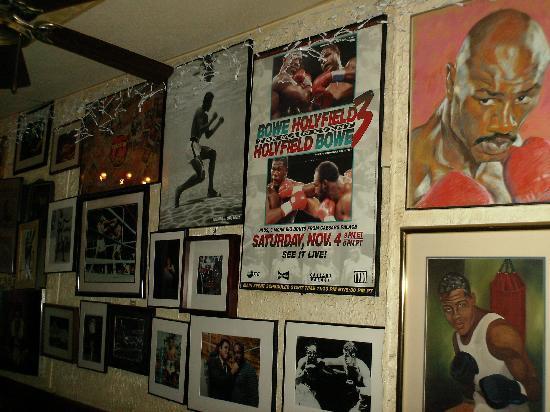 Jimmy's Corner: jimmys corner bar