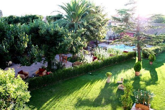 RV Hotel Palau Lo Mirador: Jardines