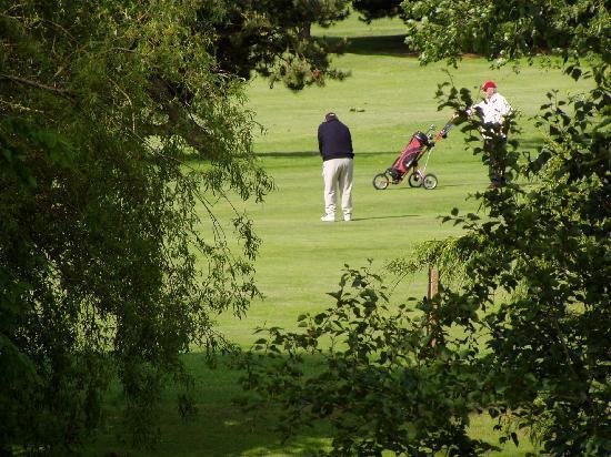 La Villa Florida : vue golf vers terrasse
