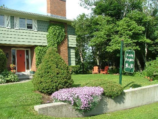 Fundy Heights B&B : In bloom