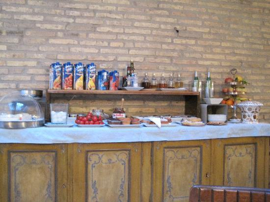 Hotel Bramante: Breakfast buffet selection