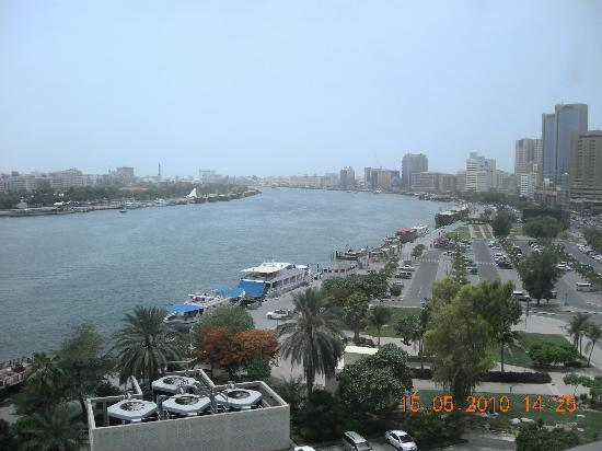 Sheraton Dubai Creek Hotel & Towers: View from the hotel room by day