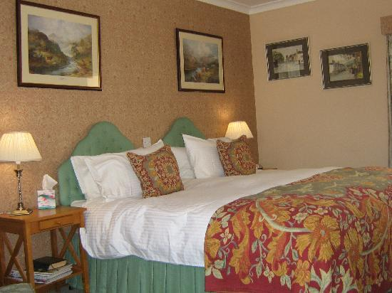 Meikleour Arms Hotel & Restaurant: Double room