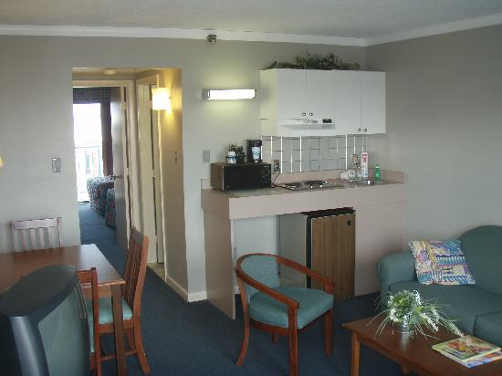 Cayman Suites: Living Room & Efficiency Sized Kitch