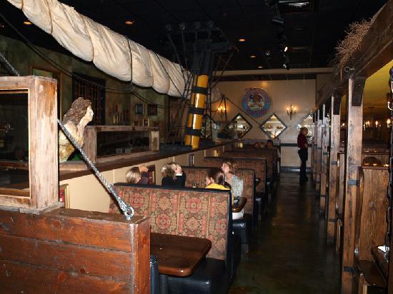 Queen Anne S Revenge Steak Seafood Restaurant Innen