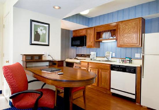 Residence Inn Charlotte South at I-77/Tyvola Road: Our convenient and comfortable suites, featuring full kitchens and living rooms with fireplaces,