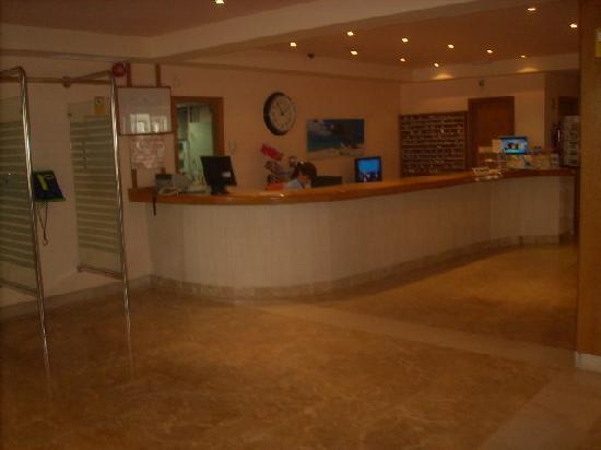 Hotel Kontiki Playa: Hotelrezeption