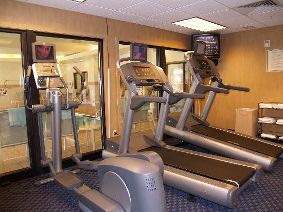 Courtyard Rocky Mount: Work off your stress in our on-site fitness facility or enjoy the nearby Hero's Gym. Complimenta