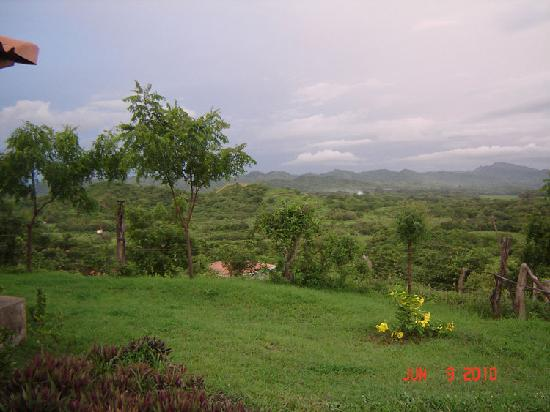 Popoyo, Nicaragua: Beautiful green mountain views.