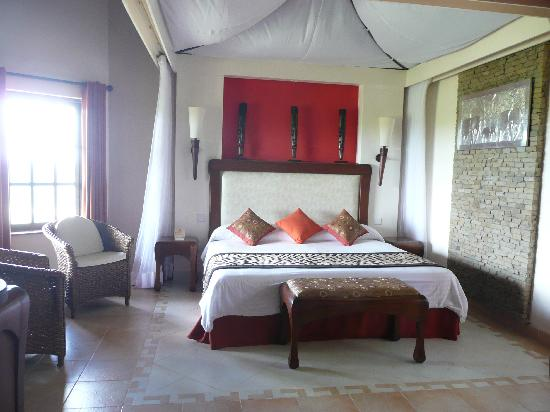 Ol Tukai Lodge: Our Bed