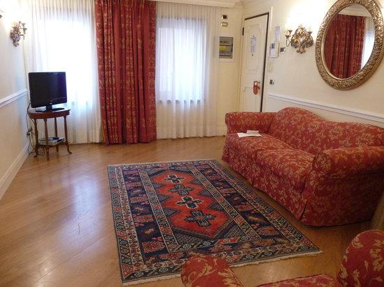 Torre dell'Orologio Suites: living room
