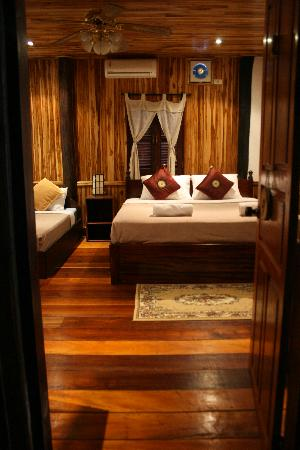 Souk Lan Xang Guest House: Bedroom