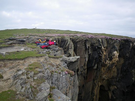 Belmullet, Irlanda: Watch the Birds Nesting on the Cliffs Beneath You