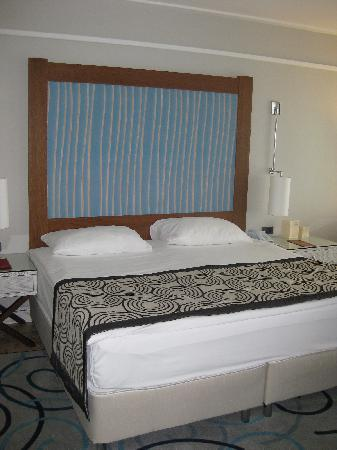 Xanadu Island Hotel: Courtyard Suite Bedroom