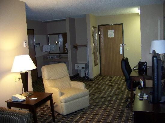Quality Inn & Suites: Suite