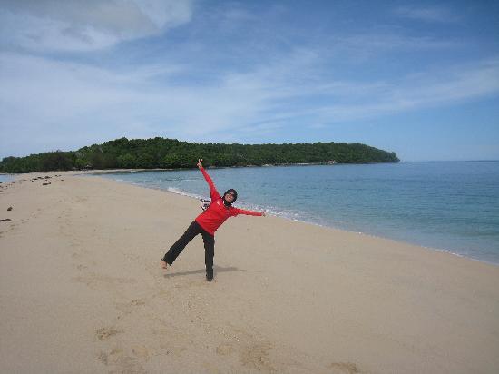 Labuan Island, Malasia: BEACH OF PULAU KURAMAN, LABUAN