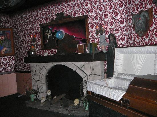 Funland: Room Inside The Haunted Mansion