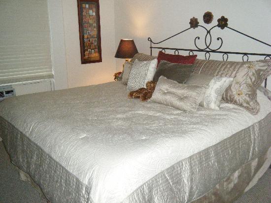 Villa Murialdo: The Master Bedroom