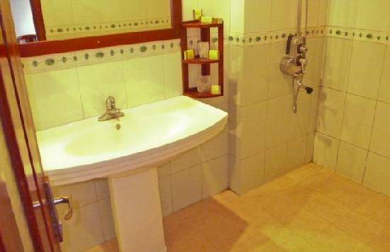 Fansipan View Hotel : bathroom