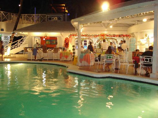 هوتل كازابلانكا: Piscina y buffete 2