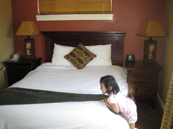 Village at Steamboat: Queen - Bedroom 3