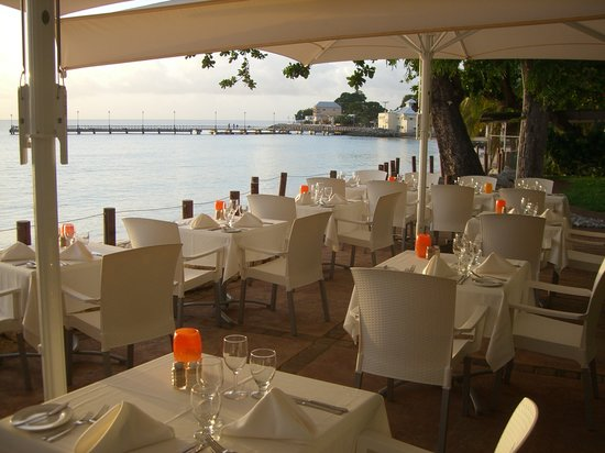 Mango's By The Sea : Table set-up