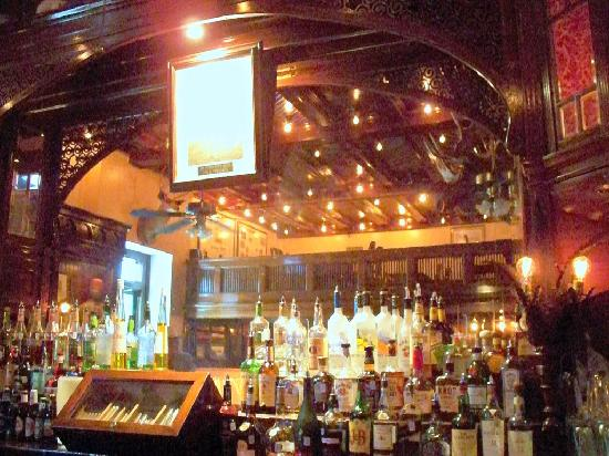 Menger Bar: Not much to see